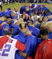 Selección de Puerto Rico oró luego de la derrota /Foto AP