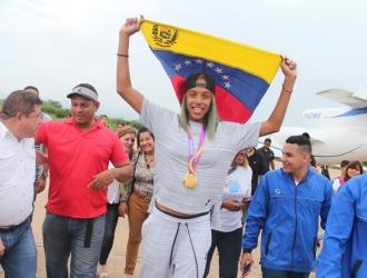 Compartió con su gente de Anzoátegui | Prensa Yulimar Rojas