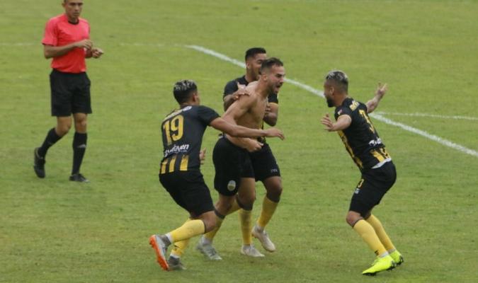 Camacho liquidó al Caracas al 90+5
