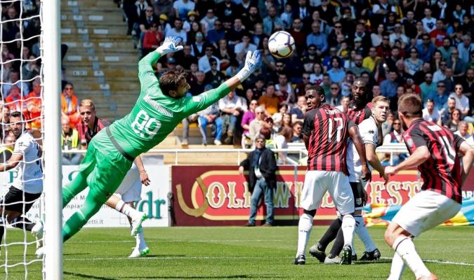 Castillejo anotó por el Milan / Foto: AP