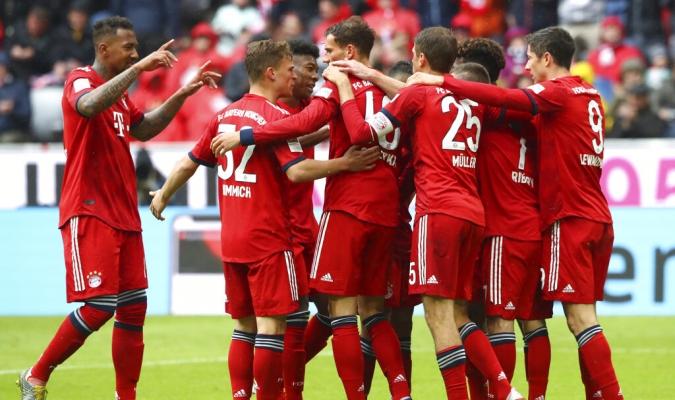 Bayern ganó y aprovechó el resbalón del Dortmund   Foto: AP