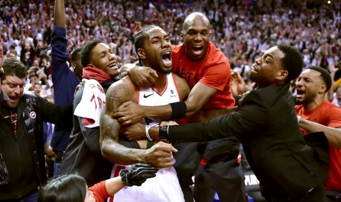 Leonard consiguió 41 puntos / Foto: AP