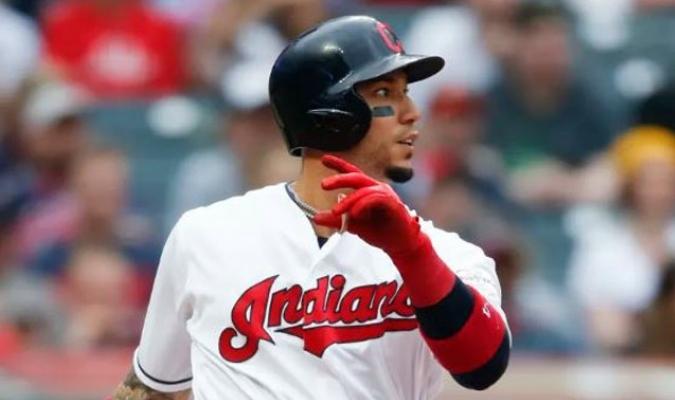González estuvo 30 juegos con los Indios/ Foto AP