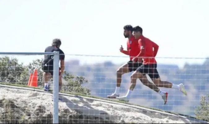 Costa abandona la práctica matutina / Foto: Cortesía