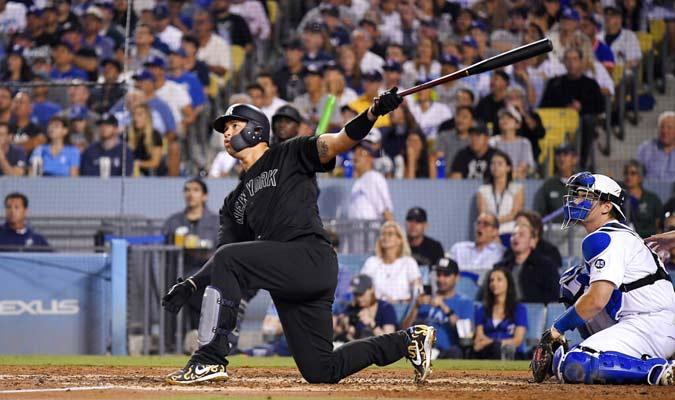 Sánchez luego de despachar un cuadrangular ante Dodgers de Los Ángeles