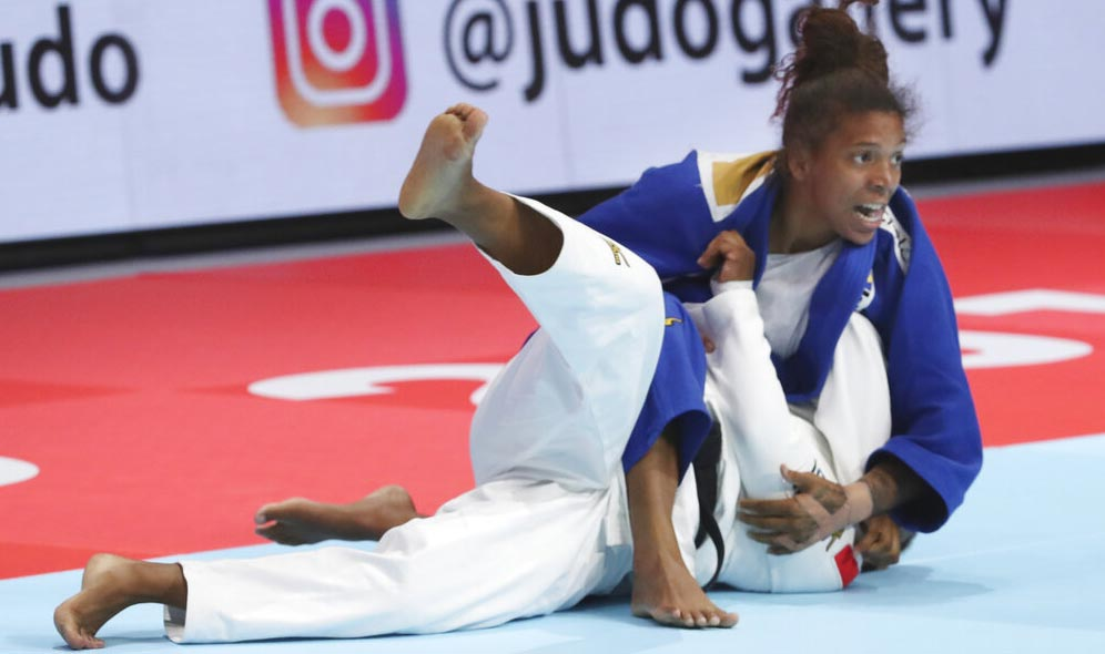 Silva compite contra Sarah Leonie Cysique / Foto: AP