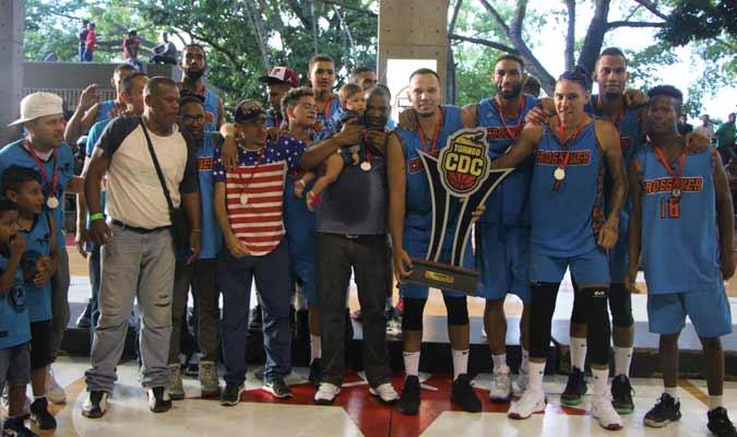 Crossover logró el campeonato con Luis Bethelmy / Foto: Cortesía