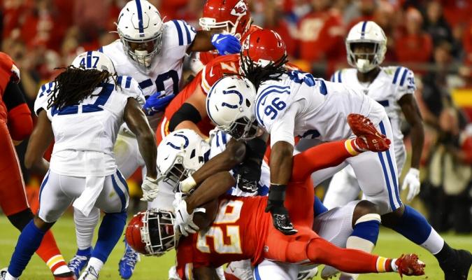 Fue un duelo peleado entre ambos equipos / Foto: AP