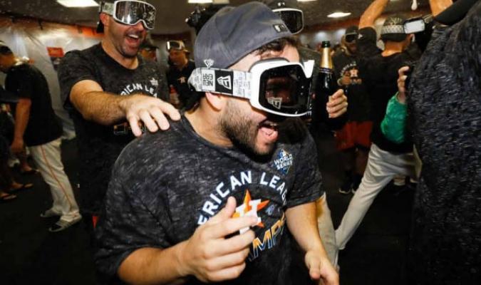 Altuve festeja tras derrotar a los Yanquis en la Serie de Campeonato / Foto: AP