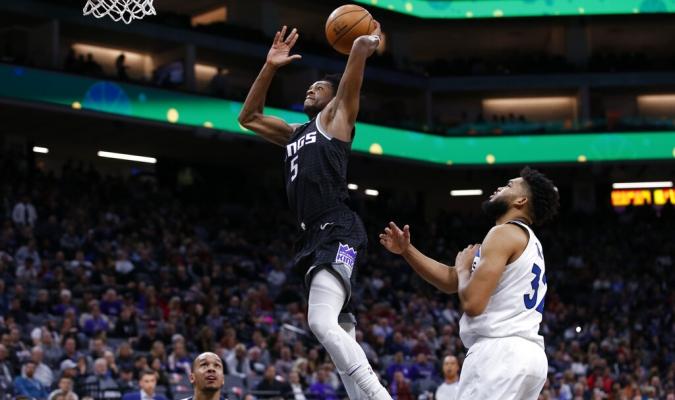 De'Aaron Fox sumó 31 puntos / Foto: AP