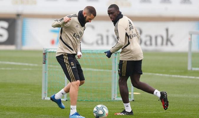 Benzema y Mendy durante la sesión/ Foto @realmadrid