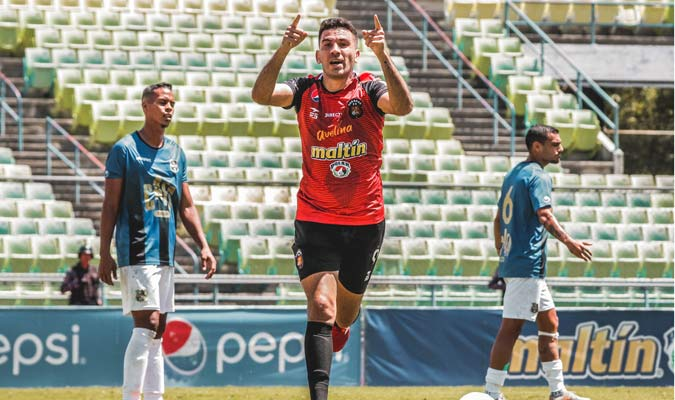 El argentino se despachó con un triplete || Foto: Caracas FC